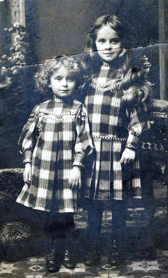 Siostry Władysława Zambrzyckiego: Wanda Czapska i Zofia Babińska