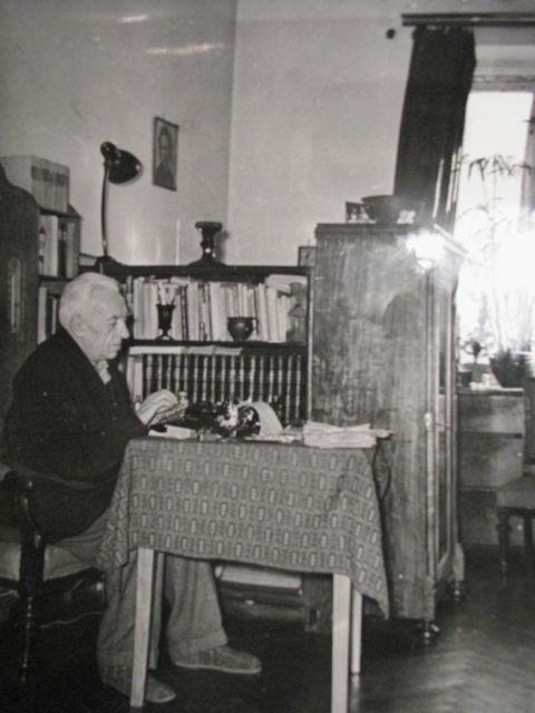 Władysław Zambrzycki w mieszkaniu przy Poselskiej